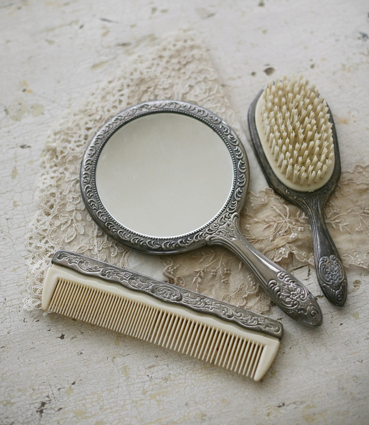 1000 images about mirror comb brush vanity sets on for Vanity and mirror set