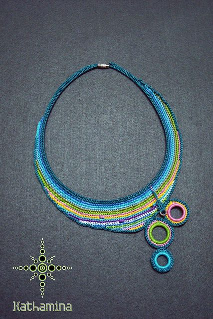 crochet necklace with discs