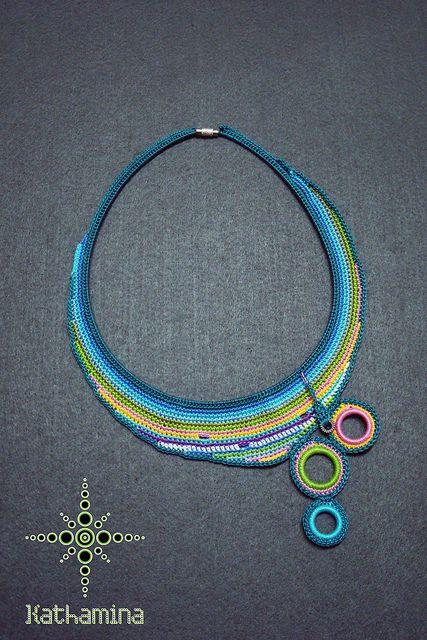 Crochet/ Biyoux/ Maria L.bertolino/ www.pinterest.com...