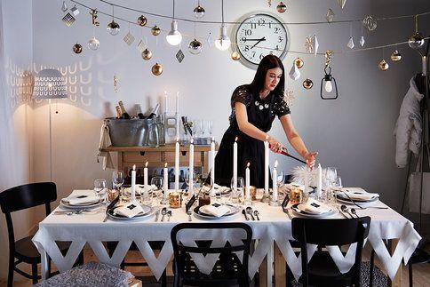 Servírovací talíře a etažéry nesmí chybět na slavnostním stole.