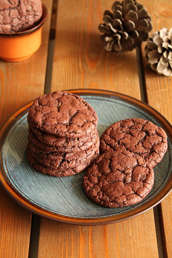 Cocoa-buttermilk-chocolate-chip-cookies