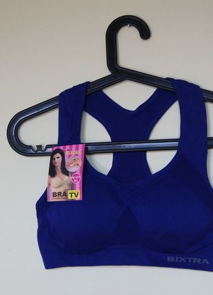 Kup mój przedmiot na #vintedpl http://www.vinted.pl/damska-odziez/odziez-sportowa/10126035-chabrowy-stanik-sportowy-z-usztywnionymi-miseczkami