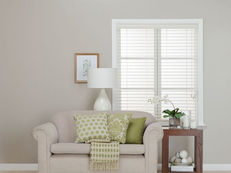 Firenze Ivory Custom Made Venetian Blinds provide such a clean, no-fuss look.