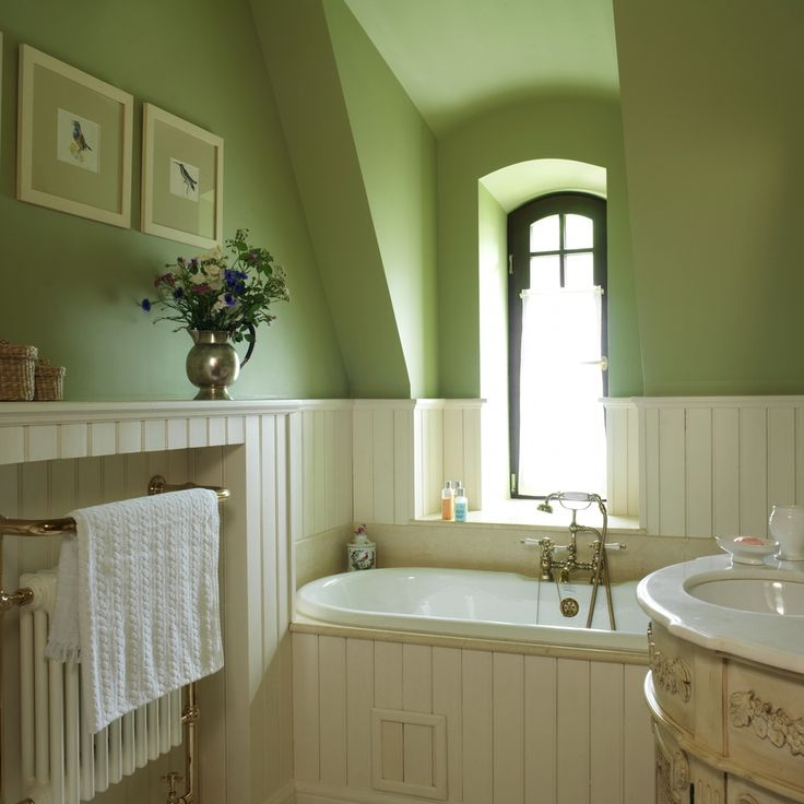 Love the walls and shape of the room but the bath must be a claw foot bathtub!