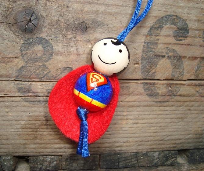 Super sleutelhanger of tashanger van houten kralen van 2 cm. handgemaakt