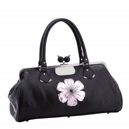 Genuine Baggage - Spencer and Rutherford Doctors Bag Limited Edition Abigail Nightshade, Was $449.00 now just $159.95 (http://www.genuinebaggage.com.au/spencer-and-rutherford-doctors-bag-limited-edition-abigail-nightshade/)