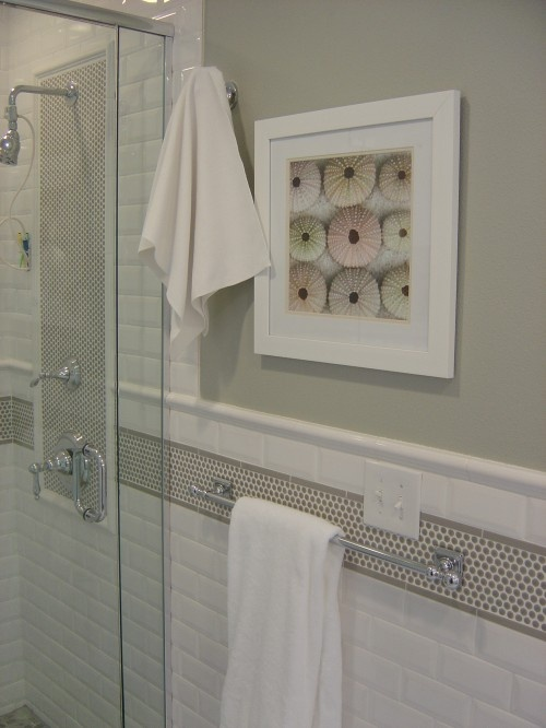 white subway tile  gray paint job  and a cream color border  I would go with a pencil in crema marfil  not penny