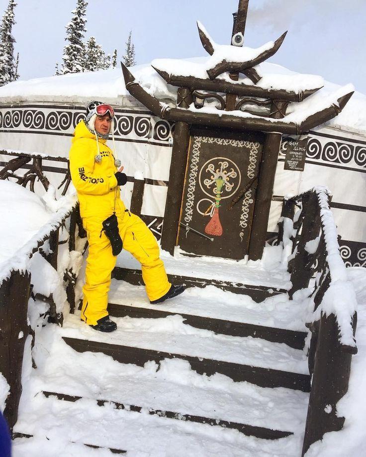 Один день из жизни наших покупателей. ------------------------------ Не промокающие и дышащие зимние комбинезоны! Идеально для зимних видов спорта) 🏂 🎿 ------------------------ 🙎 Женские 👨 Мужские 👶 Детские ------------------------ ✅ Не промокнешь! ✅ Не вспотеешь! ✅ Не замерзнешь!* (до -20') ✅ В туалет? Легко! ✅ Снег не пройдёт! ✅ Есть вентиляция! ✅ Производство Россия! 🇷🇺 ------------------------- Размеры XXS - XXXL 🎨 Огромная цветовая гамма! 🚗💨 БЕСПЛАТНО доставим до двери…