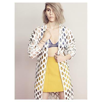 Zosia Mamet wearing Leblon Cutout Jacket <3 #WhistlesXCovetMe #covetme