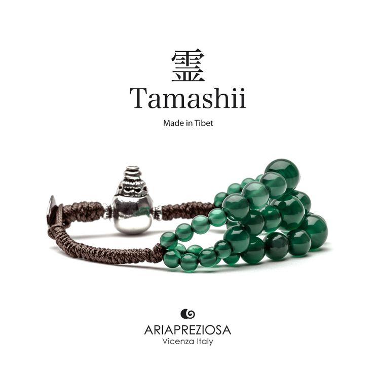 Bracciale Tamashii Dul Ba originale realizzato con pietre naturali AGATA VERDE.  Composto da 3 file di pietre, simboleggia la disciplina, che nel buddismo assume l'accezione di equilibrio.