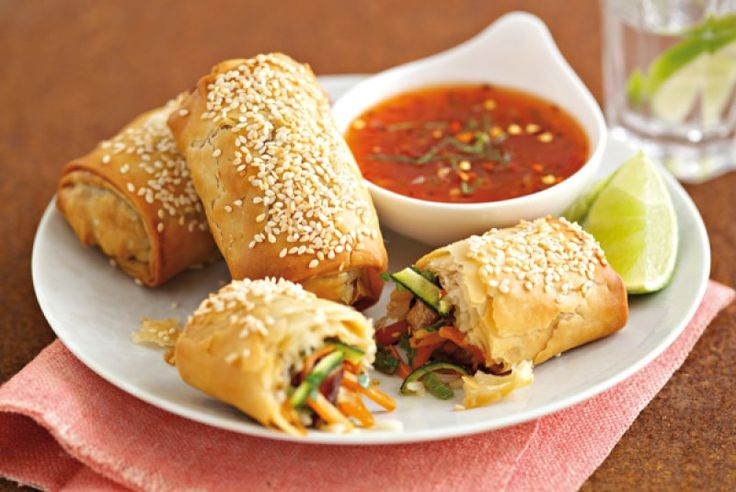Spring Rolls with Chilli Dipping Sauce
