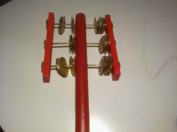 Juf Elise: Zelfgemaakte muziekinstrumenten.