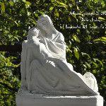 La Pieta 27cm — em ArtCunha Artesanato em Gesso ArtCunha Decorações em Artesanato de Gesso - Fabrica e Restaura. Est. Bandeirantes, 829, Taquara, Rio de Janeiro, RJ. Tel: (21) 2445-1929 / 8558-3595. #Escultura #Estatua #artesacra#Artesanato #Gesso #Fabrica #Decoracao #Decoracoes #Pieta #LaPieta #Michelangelo #Rio #RioDeJaneiro #Estatuas #Esculturas ///////// CLIQUE NA IMAGEM. ELA APARECERÁ, MAIOR /////////