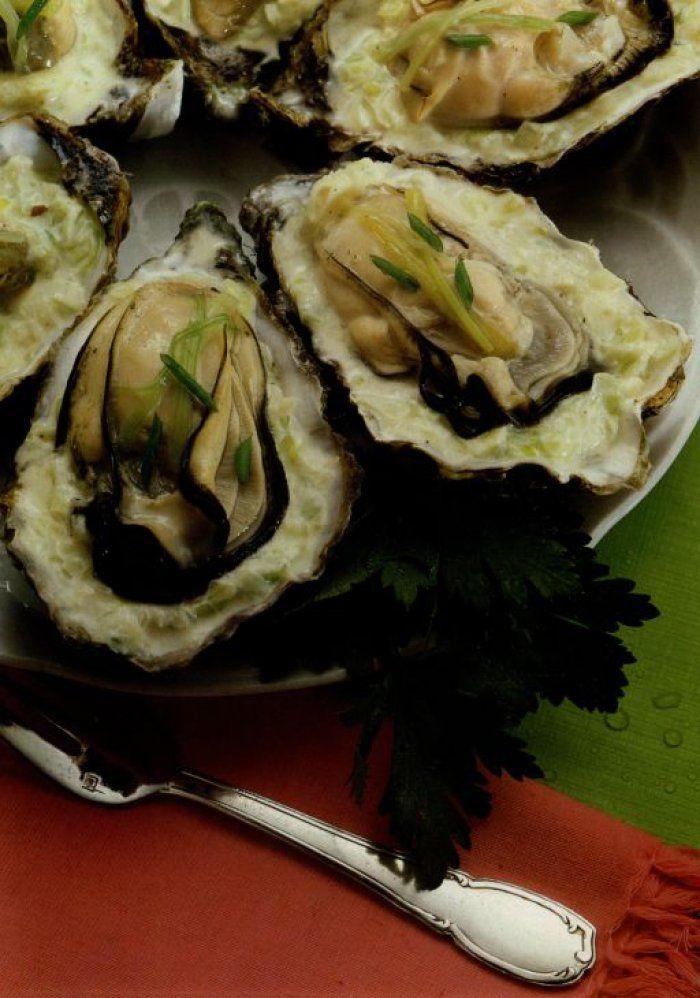 Huîtres chaudes à la crème et aux poireaux