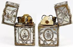 antique sewing accessories