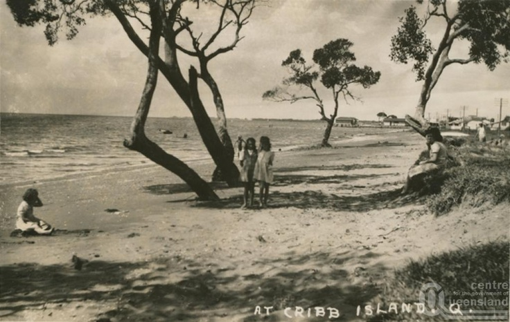 Cribb Island, 1956 postcard. An outer suburb of Brisbane (Australia), swallowed up by the building of the new Brisbane Airport in the 1980s.