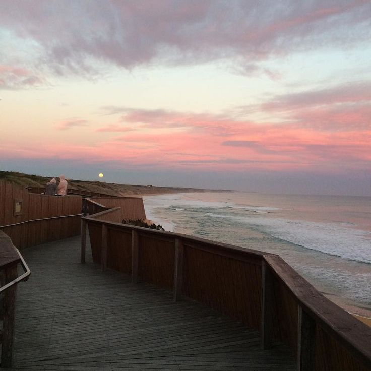 #Repost @hikki38  No plan. No itinerary. Just hit the road and you'll find the beauty of a journey.  #roadtrip #melbournetoadelaide #sesat #warrnambool #australia #travel #sunset #beach #wanderlust #amalaysianphoto #projectvacation #logansbeach @destinationwarrnambool by destinationwarrnambool