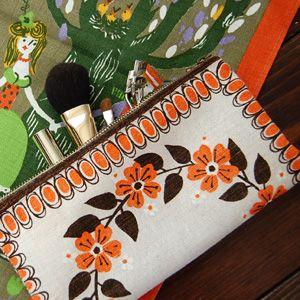 手縫いで出来る簡単手作りポーチ 北欧ビンテージ食器・雑貨の通販 | 食べる、作る、可愛いと暮らす。【Fukuya】