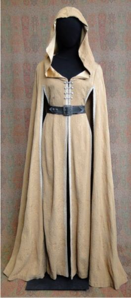 """Kahlan's travel cloak from """"Legend of the Seeker"""". Kind of impractical, but I really love this design."""