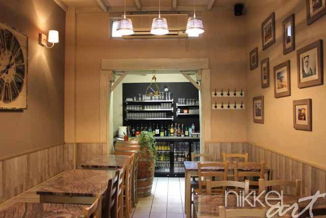 fotosticker met houtstructuur in Grieks restaurant in Brussel