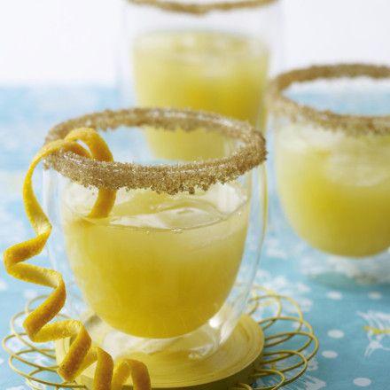 Tequila-Sunrise-Cocktail mit Orangen und Prosecco Rezept