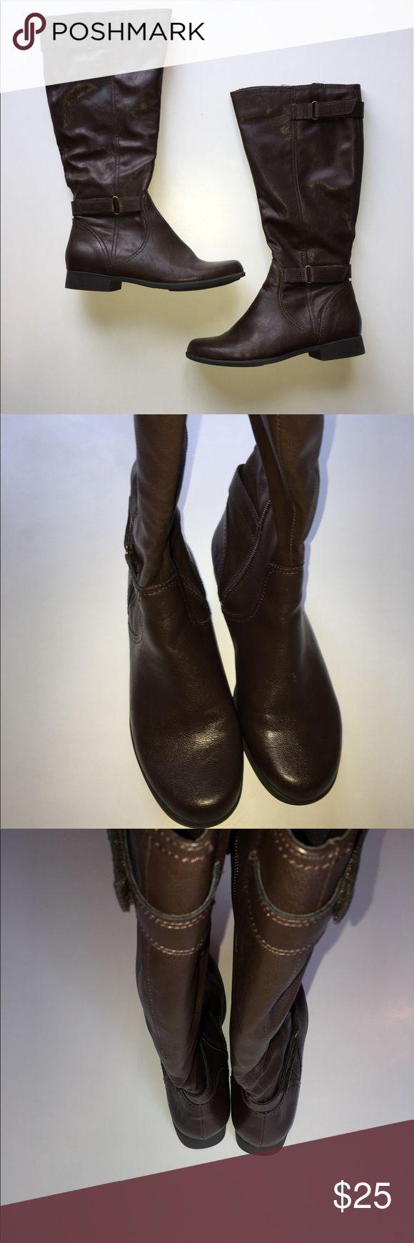 Women's Hush Puppies Boots Size 8 Women's Hush Puppies boots in great condition! Size 8 Hush Puppies Shoes