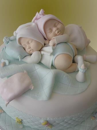 baby shower cake. Whoa- the detail!