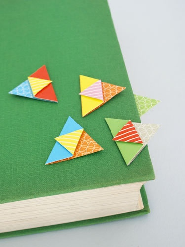 fun bookmarks the kids can make (it'd be easy to make them look like owls or monsters)