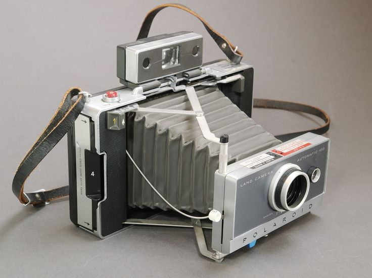 Nov 28, 1948 Polaroid introduces the first practical instant camera
