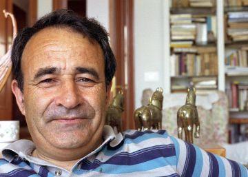"Carlos Casares no xornal ""El País"" http://elpais.com/tag/carlos_casares/a"