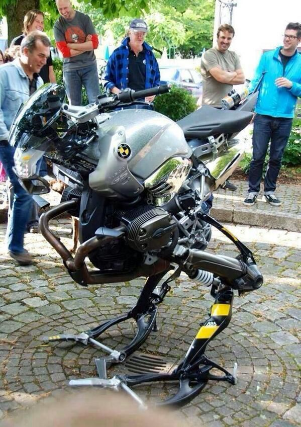 """BMW has produced a free-standing two-wheeler pic.twitter.com/Fts8Kki7L6 the """"Metal Gear"""""""