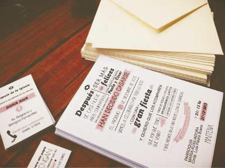 TIPO CARTEL (Invitación personalizable)  Incluye: 1 Invitación con medidas de 20x14 cm 1 Sobre personalizado