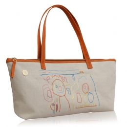 THE CHILD ARTIST. The most luxurious fashion accessories for women. Embroidery with children's creativity. #‎handbags‬ ‪#‎children‬ ‪#‎embroidery‬ ‪#‎art‬ ‪#‎fashion‬ ‪#shop #‎unikstore‬