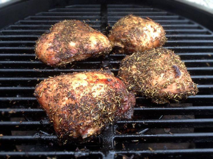 Pulled Chicken is een leuke variant op het bekende broodje Pulled Pork. Een gerecht waar het hart van menig Big Green Egg fan sneller gaat kloppen.