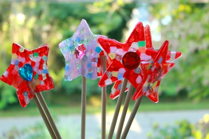 DIY Melted Bead Fairy Wands... Easy to make and perfect for a kids princess or fairy party!