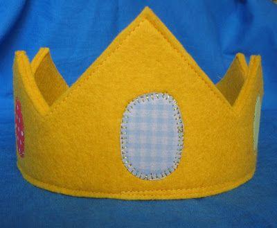La sciarpa che canta: Come cucire una corona in feltro