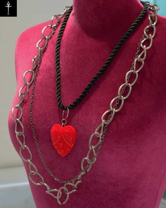 Handmade necklace with heart pendant resin by BYTWINS on Etsy
