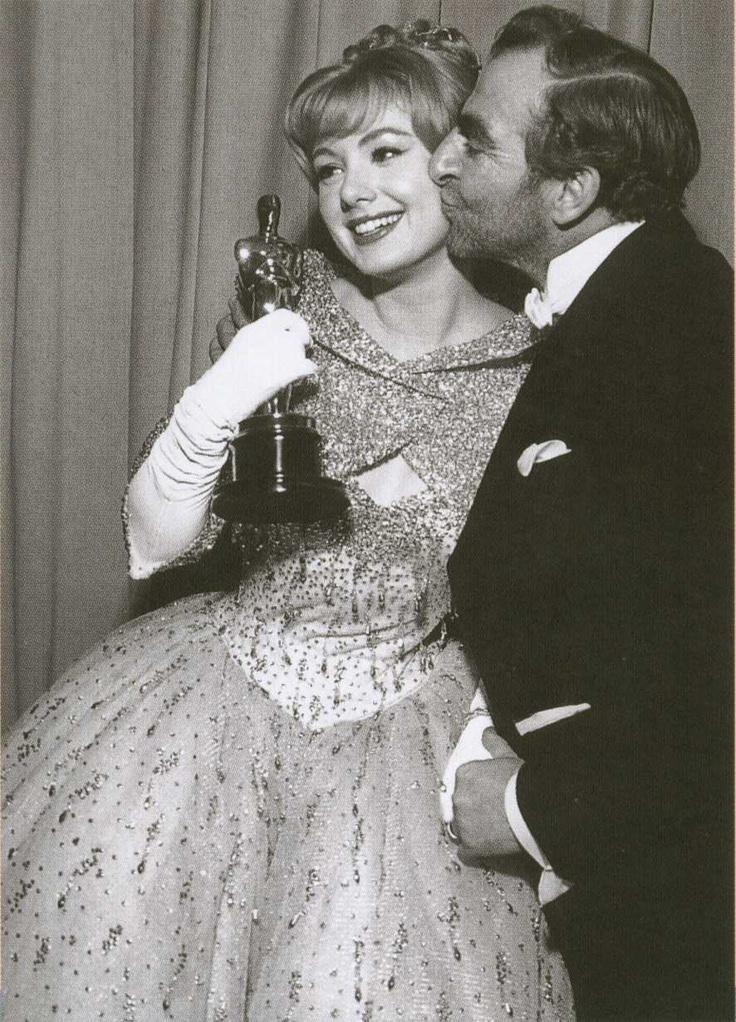 """Shirley Jones - Best Supporting Actress for """"Elmer Gantry"""" (1960) - Kissed by presenter Hugh Griffith"""