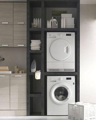 Geef een like, als jij deze superstrakke #wasmachine #ombouw ook graag in jouw huis wil! #kast #wegwerken #mooi #hout #interior #handig