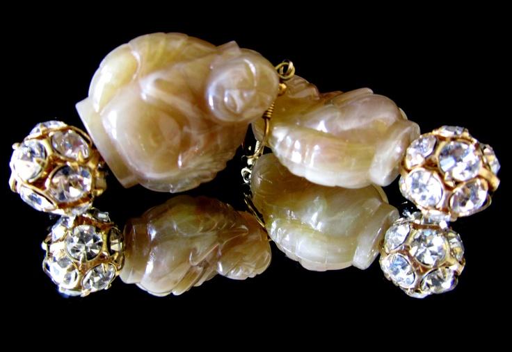 Beige Buddha's earrings