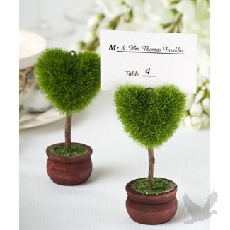 Unique Heart Design Topiary Place Card Holder perfect for outdoor #weddings and garden #parties #koyal
