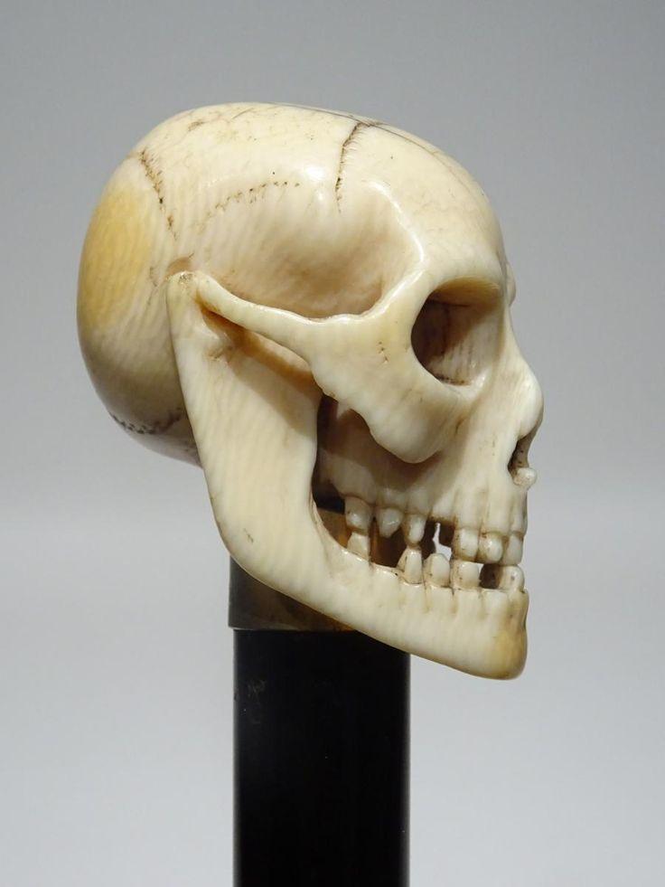 Canne Avec Pommeau à Représentation De Crâne, Galerie DELALANDE, Proantic
