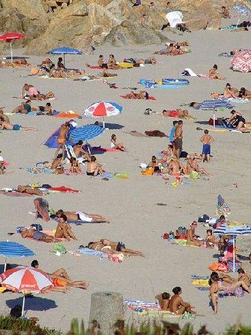 Vos droits à la plage : guide pratique : Même si ce lieu est synonyme de détente et de loisir, à la plage, tout n'est pas permis ! Nous vous proposons de découvrir quels sont vos droits à la plage et quelles sont les règles à respecter pour profiter au mieux de cet espace public.