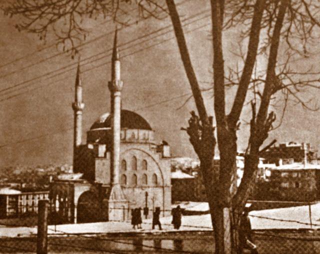 OĞUZ TOPOĞLU : Ankara Maltepe Cami 1970 Hayat Dergisi