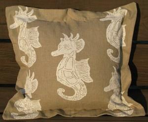 White Seahorses on Natural Linen Pillow: Seahorses Decor, Beaches House, Linen Pillows, Linens Pillows, White Seahorses, Natural Linens, Coastal Style, Beaches Pillows, Beaches Decor