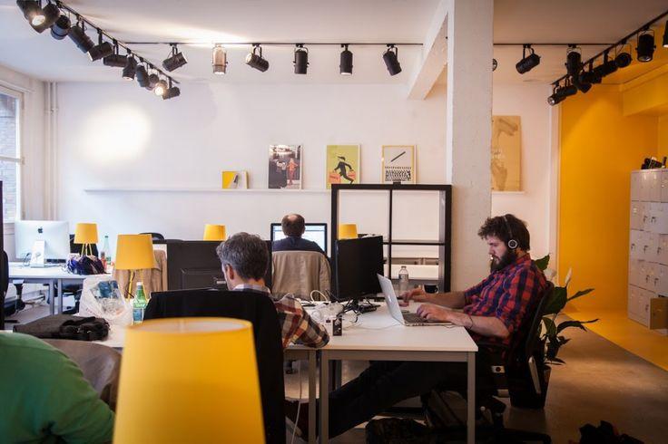 Près du buffet, au calme...Nous avons repéréLA meilleure table pour travailler dans nos cinqespaces de coworking (bureaux partagés et ouverts à tous) préférés.