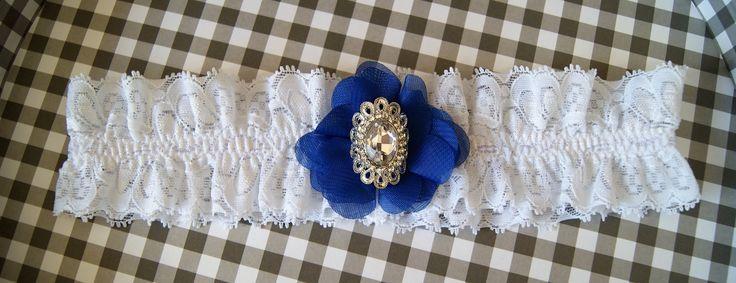 Liga para novia con detalle en azul y brillantes