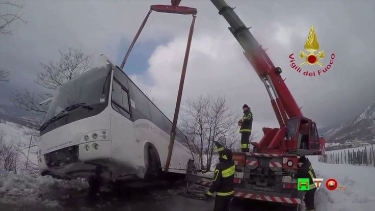 Vigili del Fuoco - Perugia - Interventi di soccorso ad Autobus per emerg...