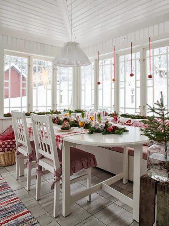 5 ways how to make a stylish Christmas table setting on a budget Click on link and read blog http://inredningsvis.se/jul-5-billiga-juldukning-stilar-att-kopiera/ #followers #budget #howto #photos #homedecor #interior #inredning #tablesettings #christmasdecor #christmas #jul #juldukning #julbord #julgranar #dukning #ljus #classicchristmas #inredningstips #bord