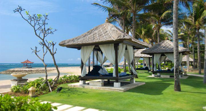 Conrad Bali Resport en Spa, luxueus genieten op het eiland van de Goden en Demonen. Conrad Bali Resort Bale en Zeezicht
